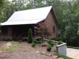 The Log Cabin - Whitesburg vacation rentals