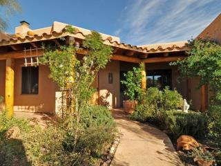 Stunning Executive Retreat 12 minutes from Tubac - Rio Rico vacation rentals