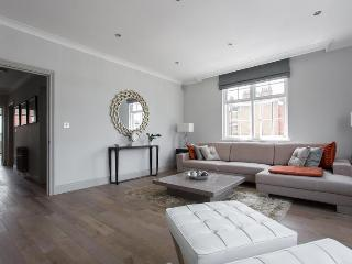 Hardington House - London vacation rentals