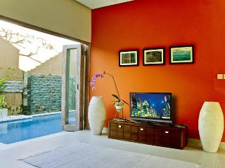 Villa Casa Nuri - 2 BR Great Location in Jimbaran! - Canggu vacation rentals