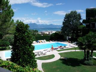 Ai Teatri apt with amazing lake view - Verona vacation rentals