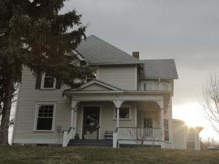 Farmhouse on Seneca Lake Wine Trail - Penn Yan vacation rentals
