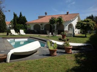 Villa Aloe, cozy and quiet with pool & wide garden - Pula vacation rentals