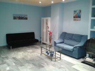 Studio wifi+parking+big terrace in Malaga - Malaga vacation rentals