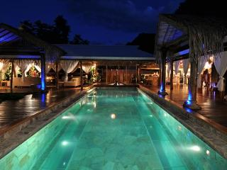 Villa Tiahura - pool & jacuzzi - 4 bedrooms - NEW! - Moorea vacation rentals