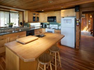 Ch-ahayis Beach House in Tofino - Tofino vacation rentals