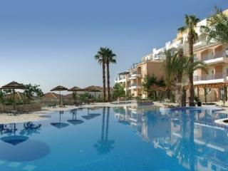 Spacious 3 Bed Holiday Apartment in Paphos, Cyprus - Paphos vacation rentals