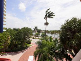 Alexander Condo with Bay and Ocean Views - La Quinta vacation rentals