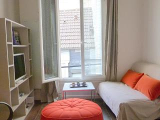 Elegant Duplex Paris Saint Germain des Pres Rennes - Paris vacation rentals