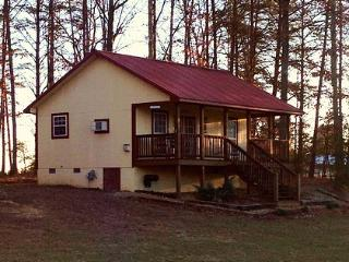 The Slow Time Inn and Cottage- Quaint cozy cottage - Clarkrange vacation rentals