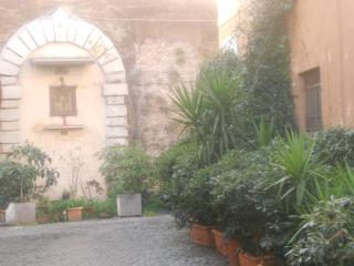 In the hearth of Trastevere 2 - Rome vacation rentals