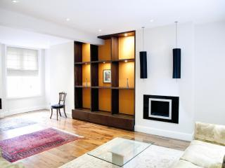 ***Heart of London 3Bedrooms Apartment 8 Guests***Chelsea Mansion - London vacation rentals