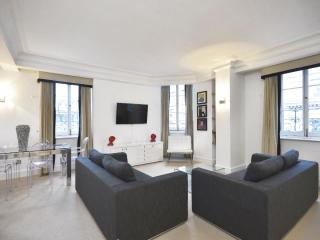 ***One of a kind*** 2 bedroom Apartment ***Trafalgar Square Luxe - London vacation rentals