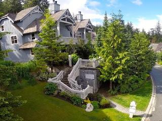 Casual Luxury 3 bed slope side Whistler townhouse. - Whistler vacation rentals