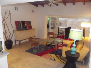 Gorgeous 3/1 House in Hollywood Beach Area - Hollywood vacation rentals