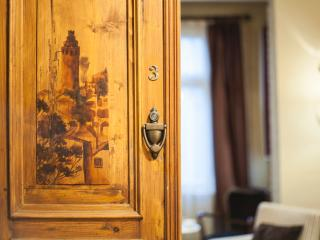 Historical trendy& 1min istiklal st - w/elevator - Istanbul vacation rentals