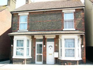 3 bedroom Victorian semi-detached house no. 13 - Sittingbourne vacation rentals