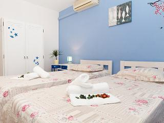 Low-cost city central apartment - Split vacation rentals