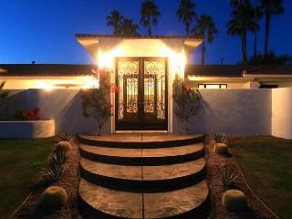 'Ike's Peak' Views, Pool, Spa, Firepit, Poker - La Quinta vacation rentals