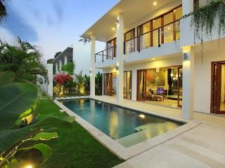 Moonlight Villas, complex of four 3 br villas, Nusa Dua - Nusa Dua Peninsula vacation rentals