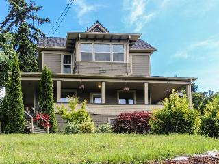 Historic Oak Street Home - Hood River vacation rentals