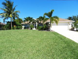 Villa Katherine - 3/2 Electric Heated Pool Home, Lakefront, High Speed Internet - Fort Myers vacation rentals