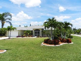 Casa Mia - 3/2, Electric Heated Pool, Fenced-in Yard, Wireless HS Internet - Fort Myers vacation rentals