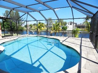Coco Beach - 3/2, Electric Heated Pool, Wide Gulf Access Canal, Wireless HS Internet - Fort Myers vacation rentals