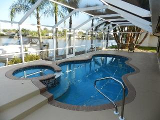 Key Largo - 3 Bedrooms, Heated Pool and Spa, Gulf Access, Wifi HS - Remodeled 2012 - Fort Myers vacation rentals