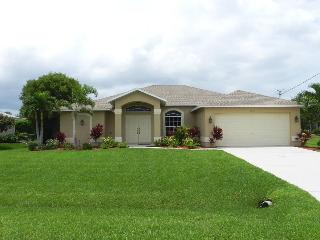 Casa Laurena - 4 Bedrooms, 2 Baths, Electric Heated Pool, Billiard - Fort Myers vacation rentals