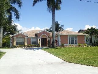 Coral Palms - 4 Bedrooms, 2 Baths, Solar Heated Pool, Billiard, Gulf Access, Dock and Lift - Fort Myers vacation rentals