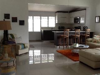 Nice & Simple @ the beach best value in San Juan - San Juan vacation rentals