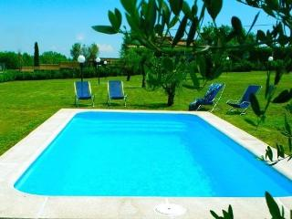 Charming Country Side Cottage Near Rome, Lake District, Private Pool, For 4+2 - Trevignano Romano vacation rentals