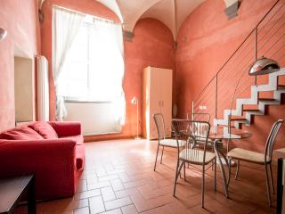 Suite apartment Oleandro - Lucca vacation rentals