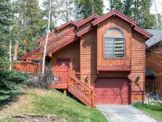 Park Forest Chalet - Easy Access & Private Hot Tub - Breckenridge vacation rentals