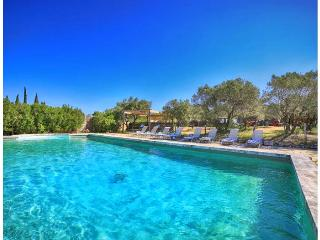 Le Mas Angelique - Eygalieres vacation rentals