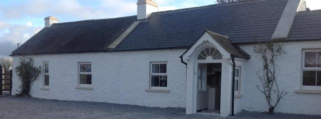 front of house - 300 year old Irish farmhouse for holiday rental - Kylemore - rentals