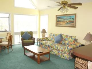 2br/2ba Condo 1 block to the beach, 2 blocks to longest fishing pier on east coast - Myrtle Beach vacation rentals