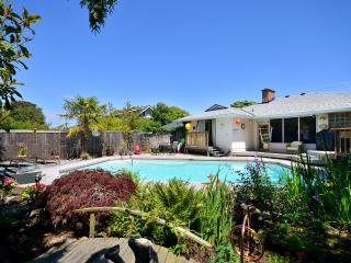 3 Bedroom Seaside Beauty - Victoria vacation rentals