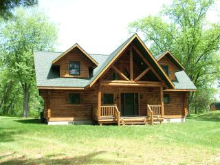 Eagle Bay on Castle Rock Lake only 30 min to Dells - Necedah vacation rentals