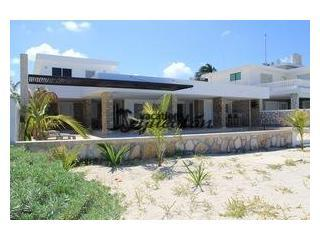 Excelent location, Beautiful house Chicxulub - Image 1 - Chicxulub - rentals