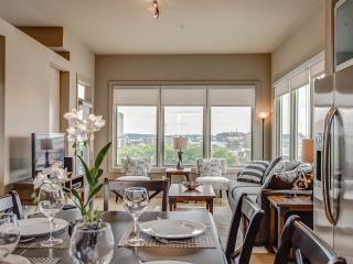 BOOK ONLINE! Nashville's  Best Shopping & Dining! Stay Alfred VL2 - Seattle vacation rentals