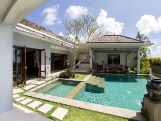 Villa Seratus luxury 1 Bedroom villa with 50m pool - Jimbaran vacation rentals