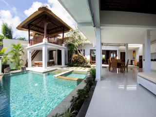 Villa Seratus luxury 2 Bedroom villa with 50m pool - Jimbaran vacation rentals