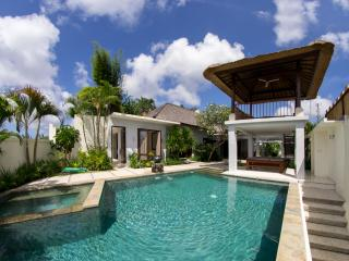 Villa Seratus luxury 3 Bedroom villa with 50m pool - Jimbaran vacation rentals