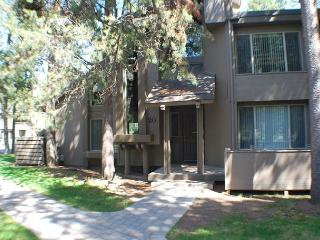 Close to the Village Mall, 2 Master Suites, Free & Discounted SHARC Passes - Sunriver vacation rentals