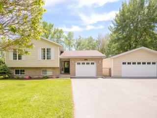 Lakeside Niagara - Niagara Falls vacation rentals