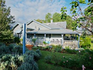 Monkey Place Farm Cottage, Hunter Valley - Hunter Valley vacation rentals