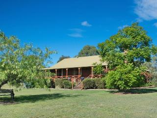 Silky Oak Cottage, Hunter Valley - Hunter Valley vacation rentals