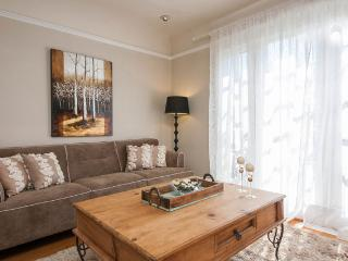 **2 BEDROOM WEST HOLLYWOOD SPANISH HOME** - West Hollywood vacation rentals